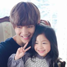 BTS V little girl