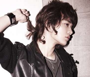 Choi Minho long hair